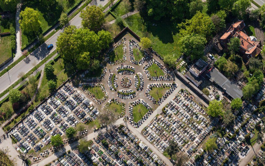 cmentarze a ekologia